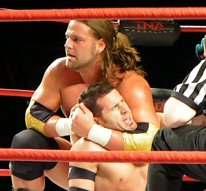 freestyle wrestling - head lock